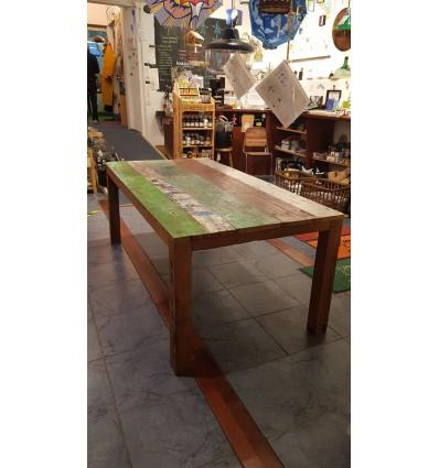 Table n°7 en bois de récupération de pirogues indonésiennes
